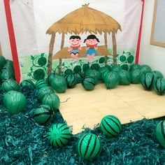 이미지: 사람 2명 Red Week, Classroom Setting, Kids And Parenting, Special Day, Art For Kids, Watermelon, Diy And Crafts, Christmas Bulbs, Preschool