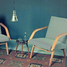 Lata 70-te. Więcej na http://magazynmeblowy.com/pl/catalog/view/34/2/fotel-szachownica #meble #foto #fotel #industrialne #lata70 #70's #design #sesja #stół #stolik #kratka #szachownica
