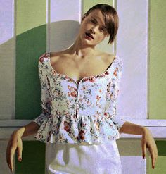 Patrones de Costura: CÓMO HACER UNA BLUSA CON COSTADILLOS A LA SISA Corset, Floral Tops, Peplum, Sewing, Medieval, Women, Fashion, Sleeveless Tops, Shirt Patterns