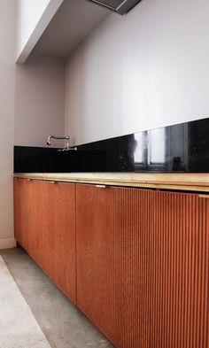 Struktur Küchenfront gerillt