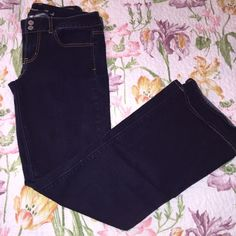 """American Eagle Artist Style Jeans Comfortable boot cut American Eagle Artisit Style Jeans! Dark denim and """"super stretch"""". Gently used and in great condition! Make an offer!  American Eagle Outfitters Jeans Boot Cut"""
