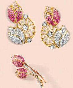 Tanishq.... Kids Earrings, Gold Earrings, 14k Gold Jewelry, Diamond Jewelry, Indian Jewelry, Unique Jewelry, Tanishq Jewellery, Gold N, Simply Beautiful