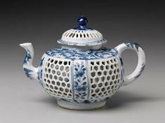 White Decor, Tea Pots, Objects, Blue And White, Wall, Teas, Decoration, Decor, Tees