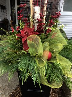 38 Inexpensive Winter Planter Ideas For Home To Try Asap Outdoor Christmas Planters, Christmas Urns, Christmas Front Doors, Christmas Greenery, Outdoor Christmas Decorations, Christmas Centerpieces, Christmas Home, Christmas Wreaths, Holiday Decor