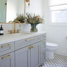 31 Interesting Black And White Bathroom Design Ideas. If you are looking for Black And White Bathroom Design Ideas, You come to the right place. Below are the Black And White Bathroom Design Ideas. Guest Bathrooms, Bathroom Renos, Bathroom Renovations, Home Remodeling, Dyi Bathroom, Remodel Bathroom, Brass Bathroom, Budget Bathroom, Bathroom Mirrors