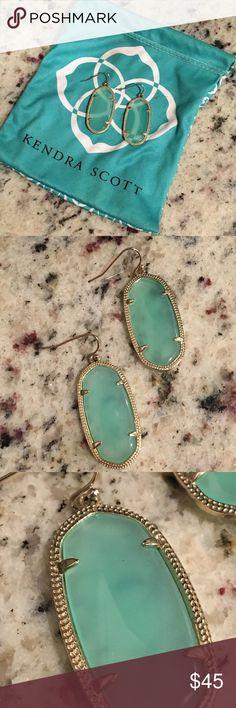 Kendra Scott Elle Earrings Preowned in like new condition authentic Kendra Scott Elle drop earrings. Clear teal stones. Comes with dust bag Kendra Scott Jewelry Earrings