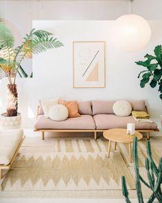 Gorgeous 40 Modern Scandinavian Living Room Decor Ideas http://homiku.com/index.php/2018/04/15/40-modern-scandinavian-living-room-decor-ideas/