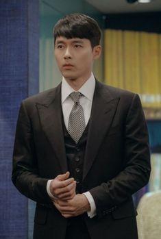 Hyun Bin, Korean Men, Korean Actors, Korean Dramas, Asian Men, Kdrama, Asian Haircut, Netflix, Korean Drama Quotes