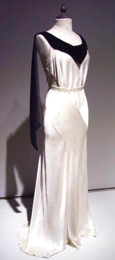 1930s evening dress worn by Kristen Scott Thomas in Gosford Park (2001)