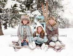 Nice Winter Picture Idea...who is going to wear the giant fuzzy hat?  lol  Need to remember a fuzzy blanket for Sat!