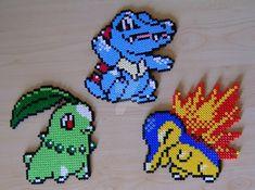 Chikorita/Germignon Waninoko/Totodile/Kaiminus Hinoarashi/Cyndaquil/Héricendre Made with Hama beads. Sprites from Pokémon Gold & Silver.