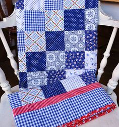 lovely. something about this quilt makes me want to curl up underneath it and be cozy