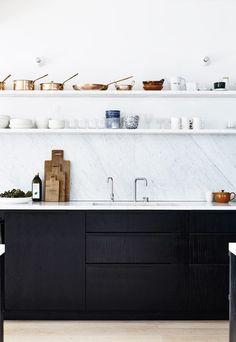Six ideas for kitchen splashbacks | These Four Walls blog J'aime la minceur du comptoir