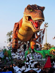Tirannosauro Rex Carnevale Viareggio 2012 - Tyrannosaurus Rex Carnival Viareggio 2012 by Mauro d'Angelo, via Flickr