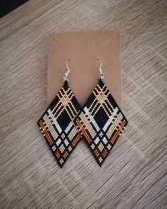 Seed Bead Jewelry, Bead Jewellery, Seed Bead Earrings, Diy Earrings, Earrings Handmade, Handmade Jewelry, Diamond Earrings, Beaded Earrings Native, Beaded Earrings Patterns