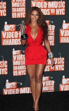 love this red dress a lot. Beyonce in Roberto Cavalli