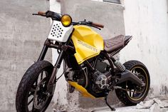 Welcome to Cafe Racer Design! We focus sole' on showcasing the design of Cafe Racer Motorcycles. Cafe Racer is a term used for a type of motorcycle and the cyclists who ride them! Ducati Scrambler Custom, Bobber Custom, Cafe Racer Motorcycle, Custom Bikes, Cafe Racer Seat, Cafe Racer Bikes, Classic Car Insurance, Best Car Insurance, Cb 500