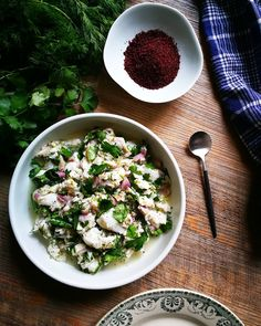 Ceviche de cabillaud, herbes fraîches et sumac - Gratinez Brunch, Pasta Salad, Feta, Risotto, Copyright, Cheese, Cooking, Ethnic Recipes, Exotic