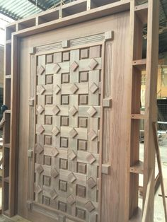 69 ideas main door design entrance latest for 2019 Folding Doors Diy, Brown Front Doors, Exterior Doors, Exterior Door Colors, Wooden Door Design, Door Design, Carved Doors, Small Closet Door Ideas, Room Door Design