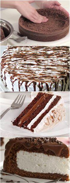 Bolo de Marshmallow,LINDO E DELICIOSO!! VEJA AQUI>>>Primeiro bata na batedeira os ovos, o açúcar e a margarina. Depois coloque alternadamente o leite e a farinha. Por último, o coco ralado e o fermento. #receita#bolo#torta#doce#sobremesa#aniversario#pudim#mousse#pave#Cheesecake#chocolate#confeitaria