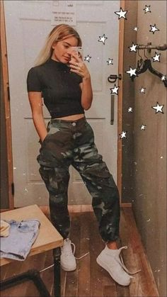 21 Cool Outfits For School Cargo Pants Army Pants With Cropped Top Lookin Grunge Outfits Army Cargo Cool Cropped Lookin Outfits Pants School Top Hipster Outfits, Edgy Outfits, Teen Fashion Outfits, Cute Casual Outfits, Edgy Hipster, Fashion Ideas, Grunge Outfits, Hipster Clothing, Fashion Trends