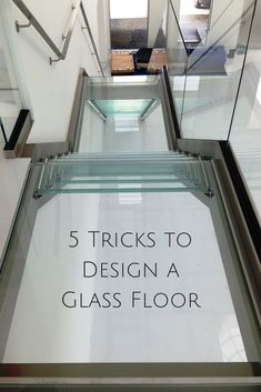 Learn 5 tricks to design a glass floor, walkway or bridge. Pvc Flooring, Stone Flooring, Floors, Innovation, Floor Design, Wall Design, Stair Design, Faux Stone Panels, Wall Stencil Patterns