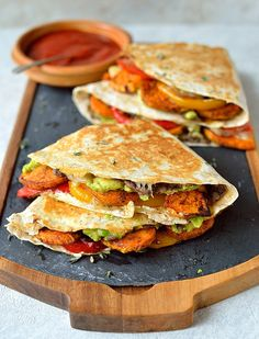 Loaded veggie quesadillas - healthy tortillas stuffed with spiced roasted sweet potato, peppers, black beans, avocado, cream cheese and cheddar cheese. Vegan Recipes Easy, Veggie Recipes, Mexican Food Recipes, Vegetarian Recipes, Cooking Recipes, Delicious Recipes, Dessert Recipes, Cheap Recipes, Pancake