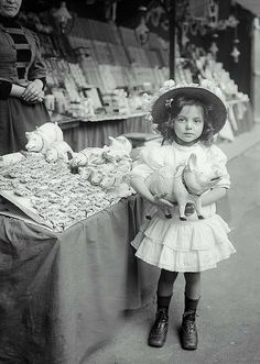 Edwardian era:  Girl at the fair, Paris 1910