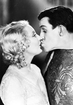 Thelma Todd and Charley Chase in The Nickel Nurser Thelma Todd, Hot Toddy, Hooray For Hollywood, Cold Night, John Wayne, Old Movies, Classic Movies, True Beauty, Classic Hollywood