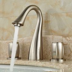 70.00$  Watch now - http://ali85q.worldwells.pw/go.php?t=32614405795 - 2016 NEW Bathroom Lavatory Sink Mixer Faucet Dual Handles 3 Holes Basin Hot and Cold Water Taps 70.00$