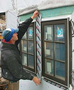 Installing and Flashing Windows Correctly: If you don't include Housewrap, use a Sill Pan, and flash the Flanges, the work is far from watertight. Home Improvement Projects, Home Projects, Home Fix, Diy Home Repair, Vinyl Siding, Cement Siding, Cedar Siding, Home Repairs, Shed Plans
