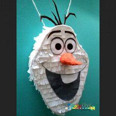 MINIPiñata Olaf , mide 12cm... Y adora los abrazos!  #olaf #frozen #disney #elsa #anna #princesadisney #zanahoria #congelados #invierno…