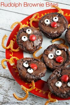 Rudolph Brownie Bites - Easy Christmas Treat Recipe. These are cute holiday party desserts.