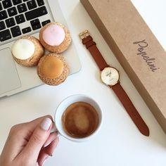 Une pause café, des petits choux @popeliniofficiel et c'est reparti ! ☕️#verymojo #coffeebreak #popelini #choux #montre #watch #flatlay #verymojooffice ► www.verymojo.com ◄