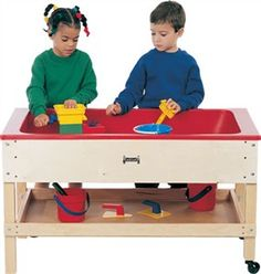 This classroom quality Sand and Water Table with Shelf by Jonti Craft has a single bin for a large playing area. The Sand and Water Table with Shelf is great for all sorts of sensory activities. Sensory Table, Sensory Toys, Sensory Activities, Sensory Diet, Sand And Water Table, Water Tables, Sand Table, Sand Toys, Water Toys