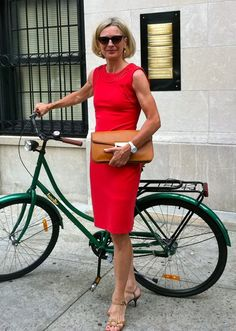 Now that is an outfit ..not sure if it suits being on a bike though but looking good