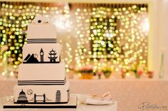 The Wedding Cake #TravelThemed #Decor #WeddingReception @kleinevalleij1 #LoveCapeTown