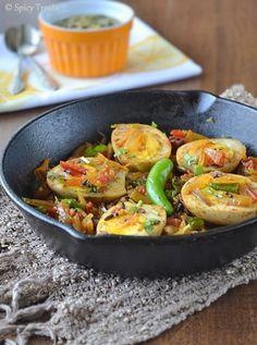 Spicy Treats: Muttai Thokku / Egg Curry