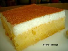 Betty's Cuisine: Cake with cream Greek Sweets, Greek Desserts, Greek Recipes, Easy Desserts, Dessert Recipes, Greek Cake, Low Calorie Cake, Greek Cookies, Greek Pastries