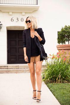 shorts de macurça e blazer preto: look estiloso, moderno e elegante