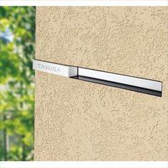 【トーヨー】東洋工業 リプノ LIPNO 『郵便ポスト』 『(TOYO) トーヨー』 ブラック投函口のフレームを取り除き、極限までスリムに設計した埋め込みポスト。表札の「カルナ」と組み合わせれば、横一線のシ Main Entrance, Wall Decor, Interior, Home, Wall Hanging Decor, Design Interiors, Interiors, Haus, Homes