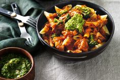 In this pasta twist, the chicken cacciatore base is given a delicious kick with hints of chilli.