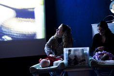 """Voltado para mães - e pais - com bebês de até 18 meses, o Cinematerna acontece na terça, dia 19, pela primeira vez na Zona Norte do Rio. A sessão, que vai exibir """"O Lado Bom da Vida"""", filme escolhido por votação no site do projeto, no Kinoplex do Shopping Tijuca. A exibição começa às...<br /><a class=""""more-link"""" href=""""https://catracalivre.com.br/geral/agenda/barato/cinematerna-tem-primeira-edicao-na-tijuca/"""">Continue lendo »</a>"""