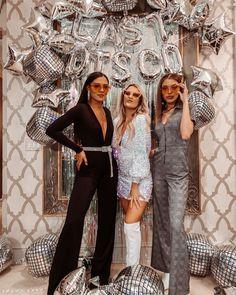 Disco Birthday Party, 70s Party, Disco Party, Disco Theme Parties, Disco Disco, Mamma Mia, Cowgirl Bachelorette Parties, Bachelorette Weekend, Party Hard