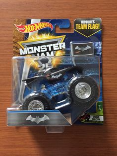 2017 Hot Wheels Monster Jam Batmobile Monster Truck - Edge Glow with Team Flag Monster Jam, Monster Trucks, Batmobile Toy, Carros Hot Wheels, Hot Wheels Display, Display Case, Diecast, Glow, Birthdays