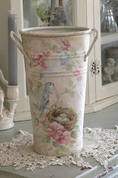 Shabby Antique Bluebird and Roses Bucket - Debi Coules Romantic Art Blanc Shabby Chic, Romantic Shabby Chic, Shabby Chic Cottage, Shabby Chic Homes, Shabby Chic Style, Vintage Diy, Vasos Vintage, Art Antique, Antique Roses