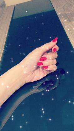 Dark Pink Nails, Red Acrylic Nails, Red Nails, Hand Pictures, Girly Pictures, Cute Girl Poses, Girl Photo Poses, Mode Turban, Profile Picture For Girls