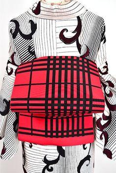 黒赤銀のアバンギャルド・チェックがモダンな単帯 - アンティーク着物・リサイクル着物のオンラインショップ 姉妹屋 黒と赤に銀のラインがアクセントになったモダンアートを思わせるチェックパターンが印象的な単帯です。