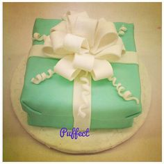 #Tiffany & Co inspired #fondant #cake! Now you can have #Tiffany's for breakfast