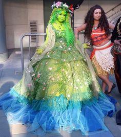 Cosplay Ideas DIY Moana Te Fiti Halloween Costume Idea - Lots of inspiration, diy Te Fiti Costume, Moana Halloween Costume, Halloween Cosplay, Cool Costumes, Halloween Kids, Costume Ideas, Best Disney Costumes, Moana Costumes, Frozen Costume